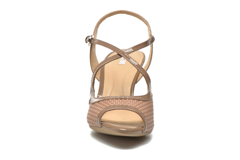 Sandales et nu-pieds Geox D DONYALE A D52B9A Marron vue portées chaussures