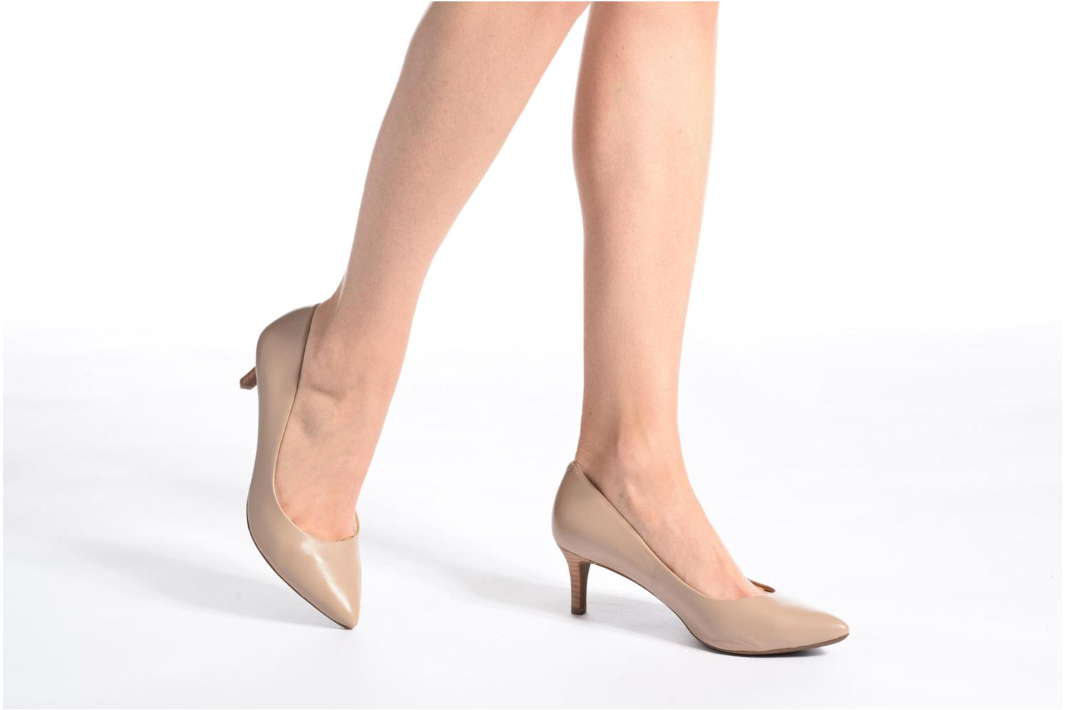 High heels Geox D ELINA C D52P8C Beige view from underneath / model view