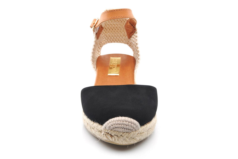 Sandali e scarpe aperte Maypol Macaret Nero modello indossato