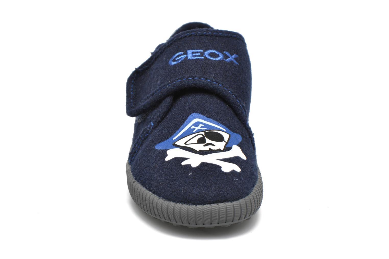 Chaussons Geox J Home B. B J4413B Bleu vue portées chaussures