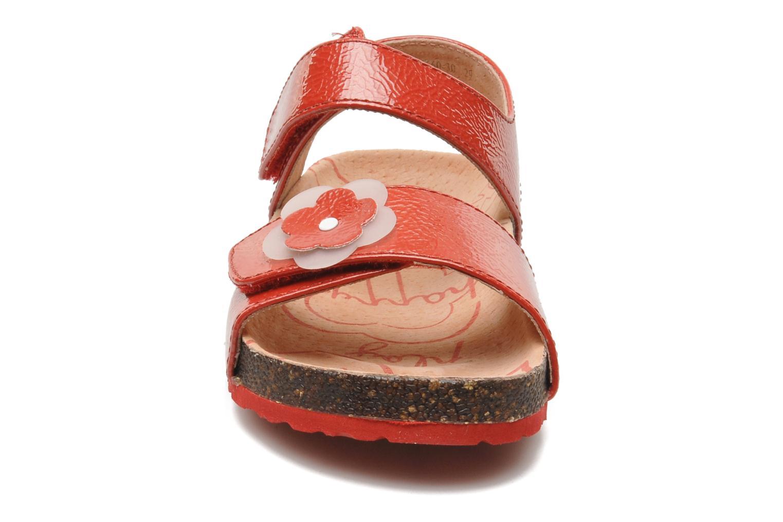 Sandalias Kickers MAGILOVE Rojo vista del modelo