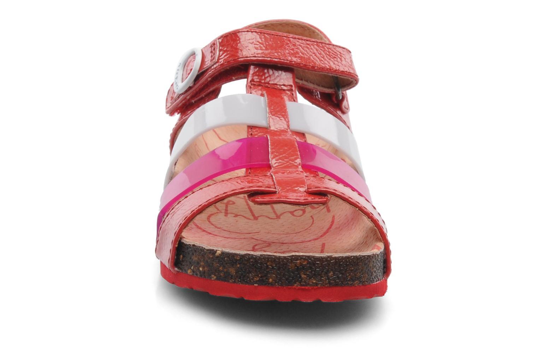 Sandalias Kickers MAGIPLAY Rojo vista del modelo
