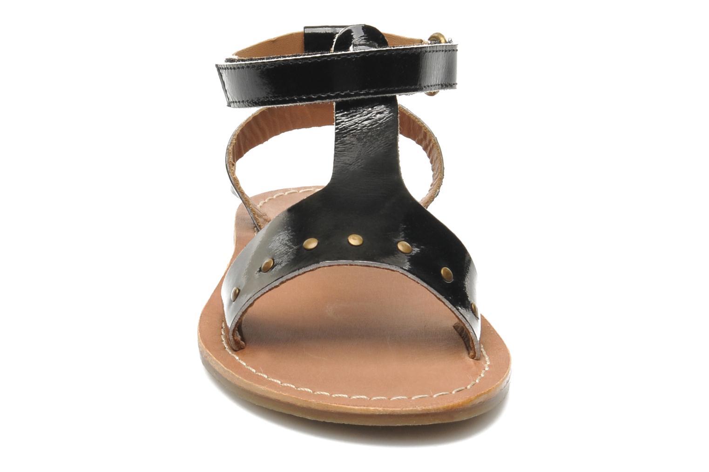 Sandales et nu-pieds Kickers DIZAINE V Noir vue portées chaussures