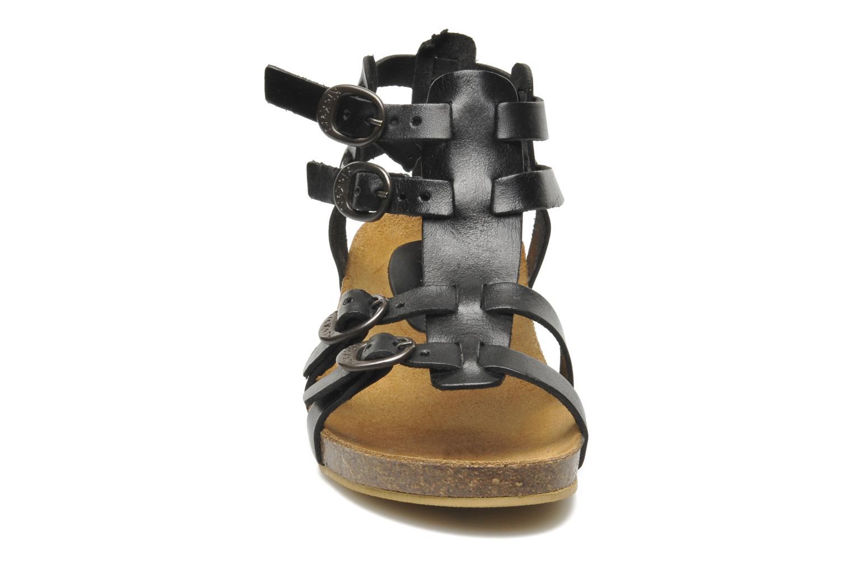 Sandales et nu-pieds Kickers BOMDIA Noir vue portées chaussures