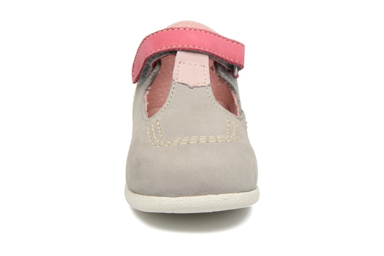 Bottines d'été Kickers BABYFRESH Gris vue portées chaussures