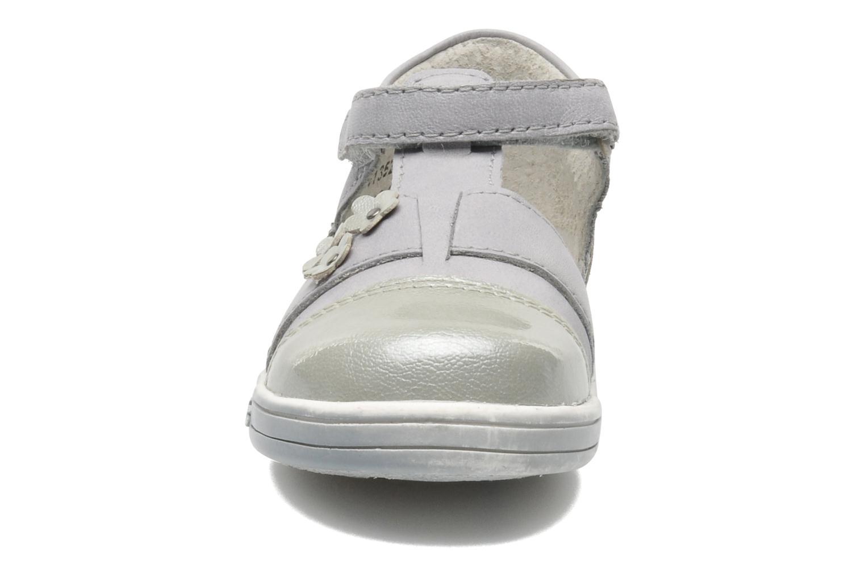 Chaussures à scratch Kickers TREFUN Gris vue portées chaussures