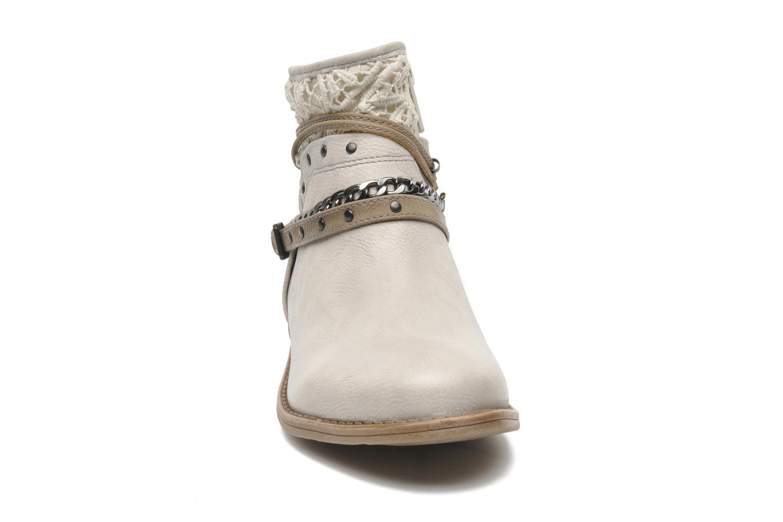 Bottines et boots Mustang shoes Amuvi Beige vue portées chaussures