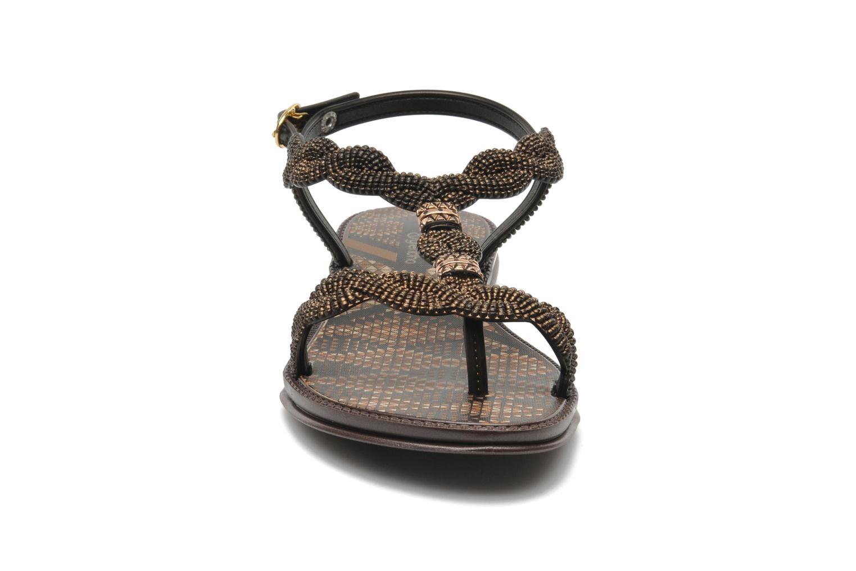 Sandales et nu-pieds Grendha Tribale Sandal Marron vue portées chaussures