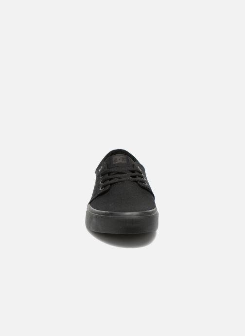 Sneakers DC Shoes Trase Tx Nero modello indossato