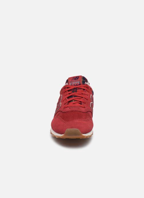 Baskets New Balance WL996 Rouge vue portées chaussures