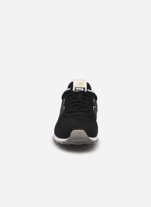 Sneaker New Balance WL996 schwarz schuhe getragen