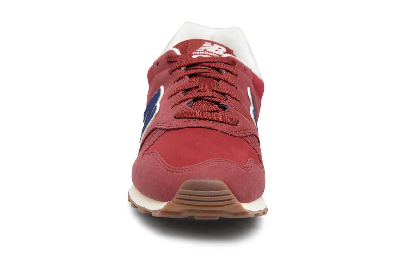 Baskets New Balance ML373 Rouge vue portées chaussures