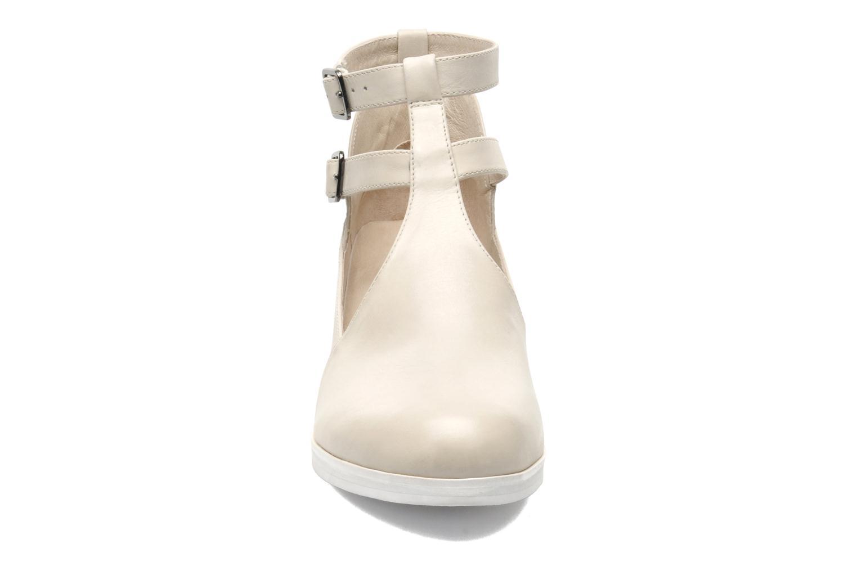 Bottines et boots Intentionally blank Clarke Beige vue portées chaussures