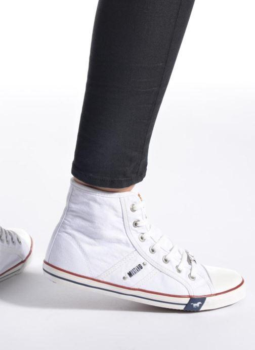 Baskets Mustang shoes Mavon Blanc vue bas / vue portée sac
