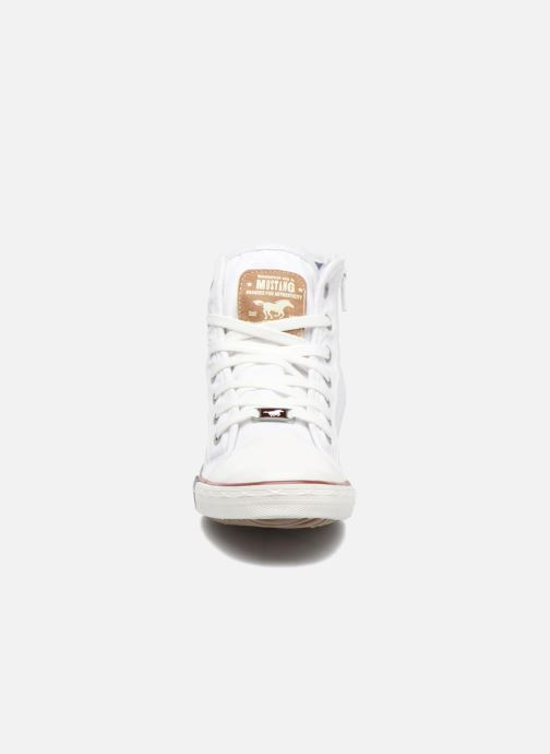 Sneaker Mustang shoes Mavon weiß schuhe getragen