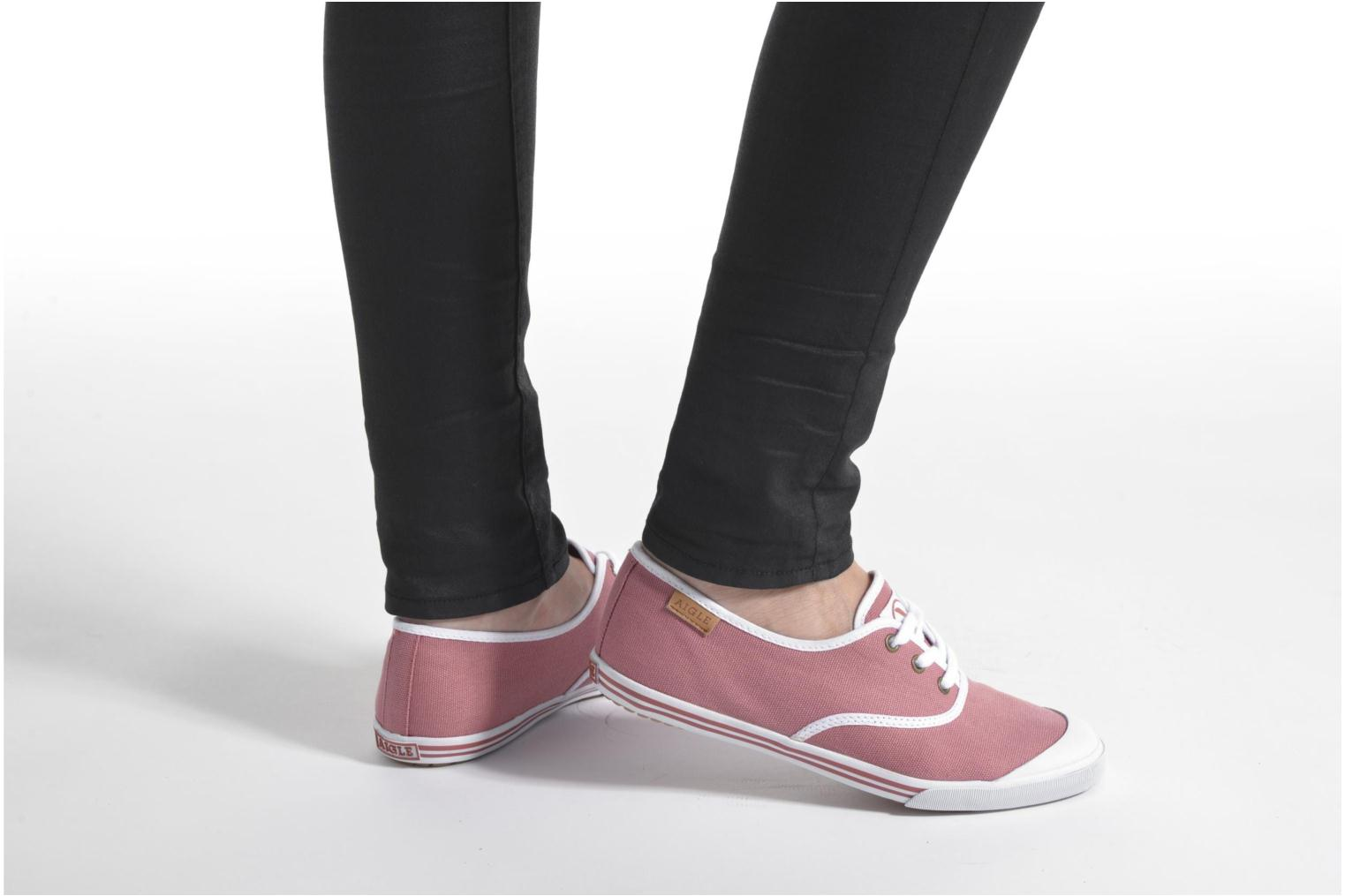 Trainers Aigle Lauriel Pink view from underneath / model view
