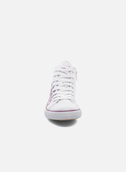 Baskets Kangaroos KangaVulcT 2053 Blanc vue portées chaussures
