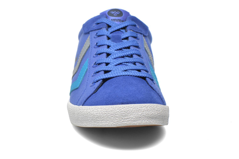Baskets Hummel Deuce Court Summer Bleu vue portées chaussures