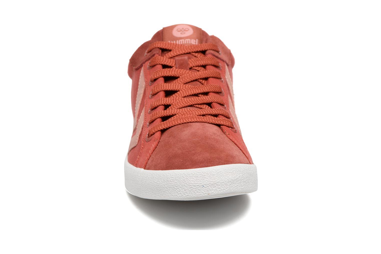 Baskets Hummel Deuce Court Summer Rouge vue portées chaussures