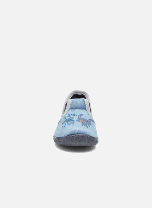 Pantuflas Rondinaud DEFI Azul vista del modelo