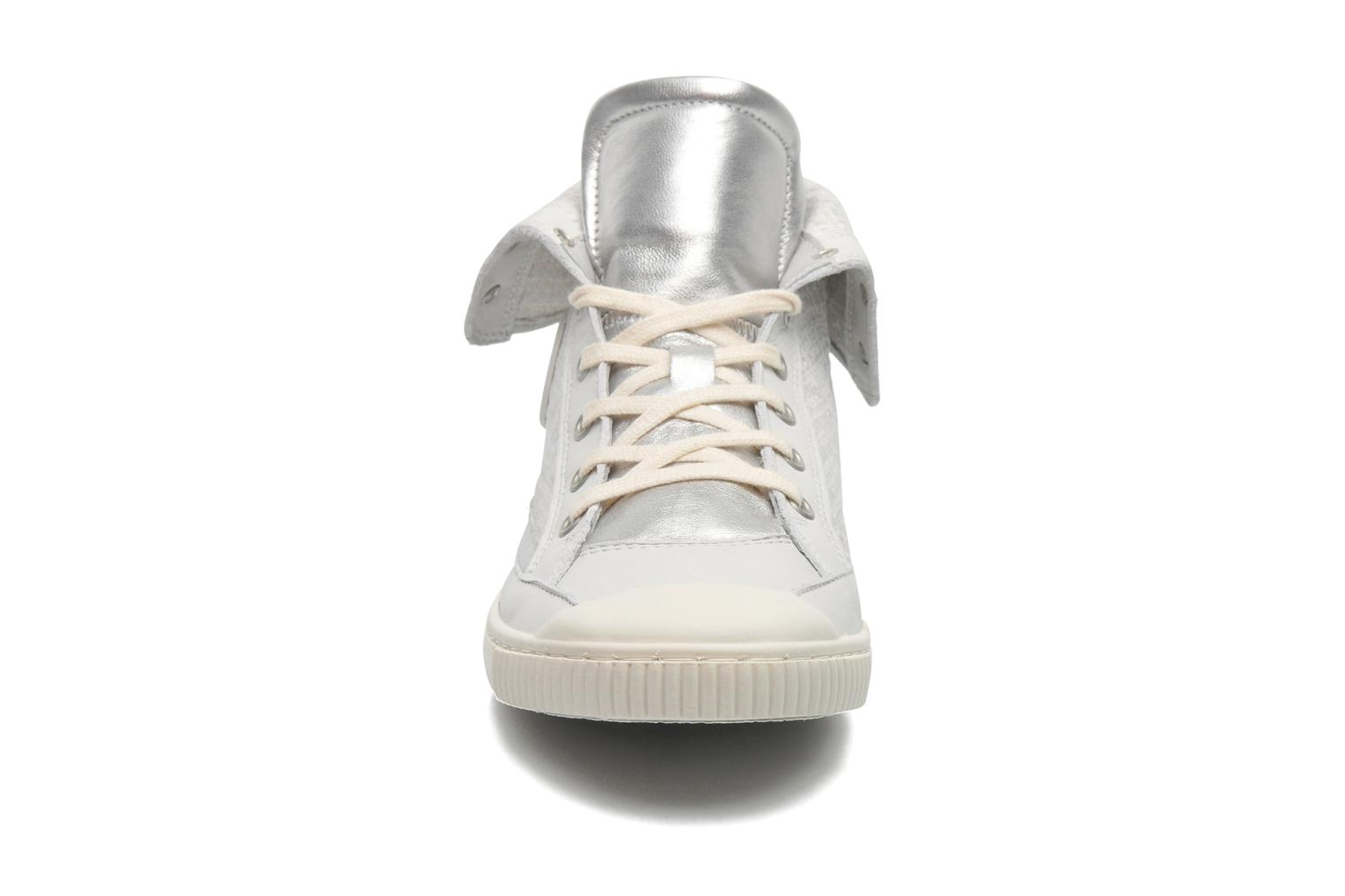 Trainers Pataugas Bandit F Silver model view