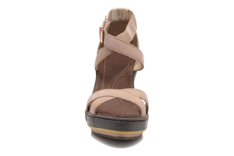 Sandales et nu-pieds Pataugas Gouy Beige vue portées chaussures