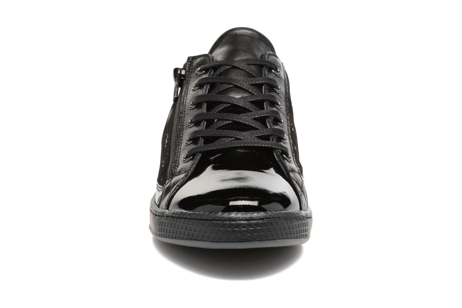 Trainers Pataugas Jester Black model view