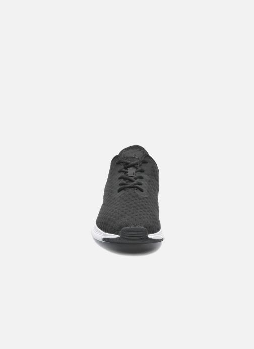 Sneakers Ransom Field Lite Nero modello indossato