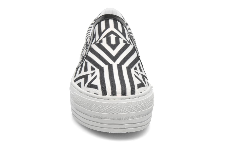 Baskets CULT Kiss Slip On 741 Noir vue portées chaussures