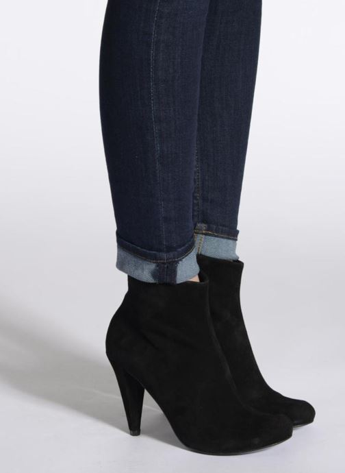 Ankle boots Buffalo Maureen Black view from underneath / model view