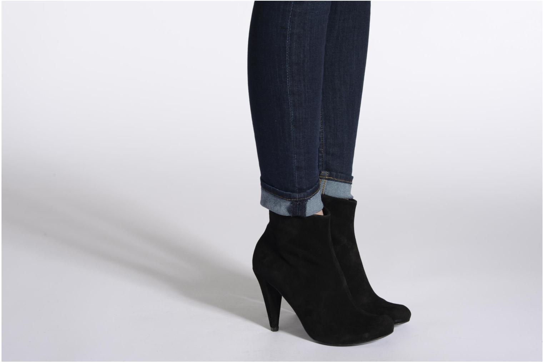 Bottines et boots Buffalo Maureen Noir vue bas / vue portée sac
