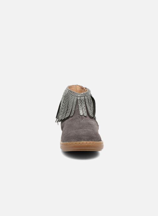 Bottines et boots Shoo Pom Bouba Fringe Gris vue portées chaussures