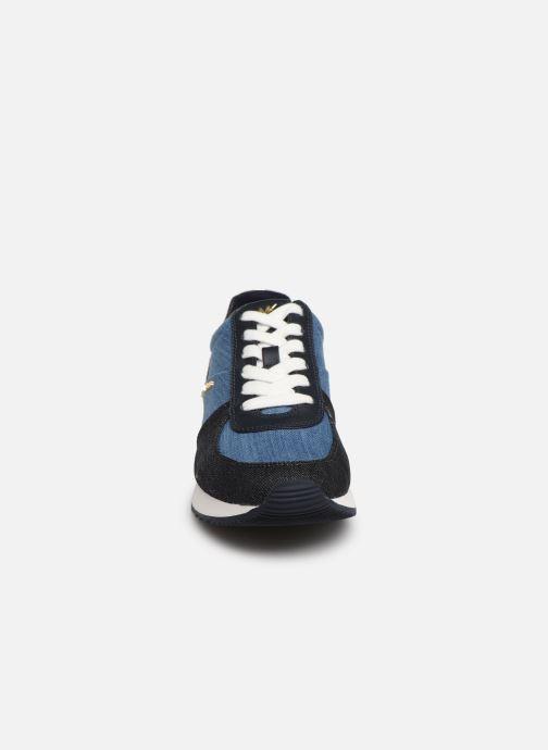 Baskets Michael Michael Kors Allie Trainer Bleu vue portées chaussures
