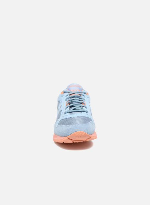 Baskets Saucony Shadow 5000 W Bleu vue portées chaussures