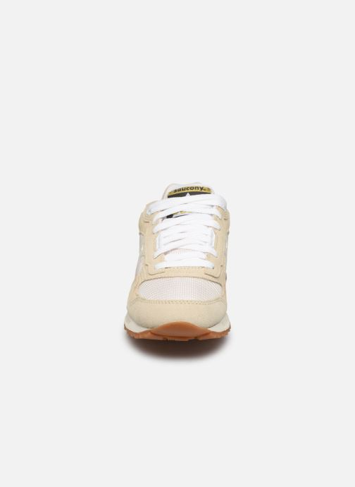 Baskets Saucony Shadow 5000 W Beige vue portées chaussures