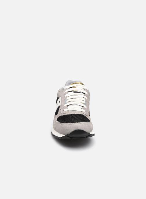 Sneakers Saucony Shadow 5000 Grigio modello indossato