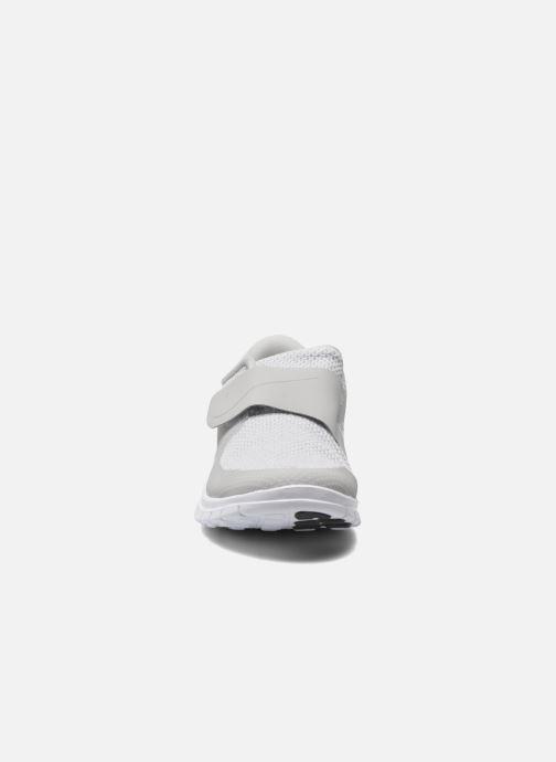 Trainers Nike Nike Free Socfly White model view