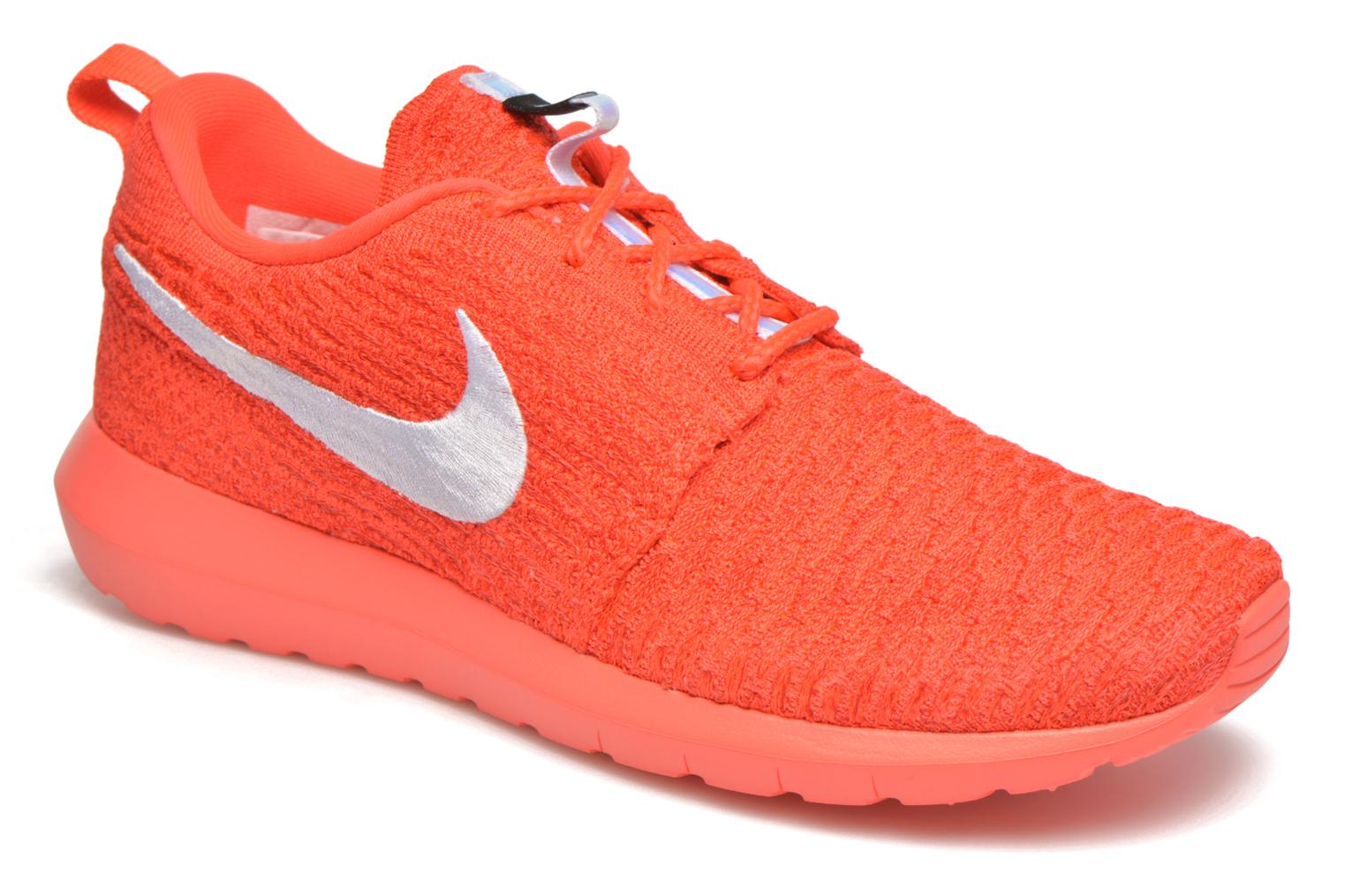 Baskets Nike Nike Roshe Nm Flyknit Orange vue détail/paire