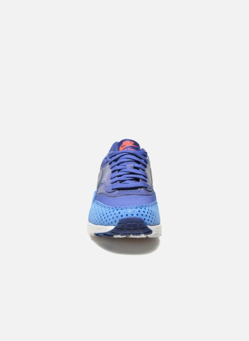Baskets Nike W Air Max 1 Ultra Essentials Violet vue portées chaussures