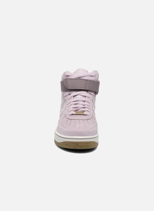 Sneakers Nike Wmns Air Force 1 Hi Prm Viola modello indossato