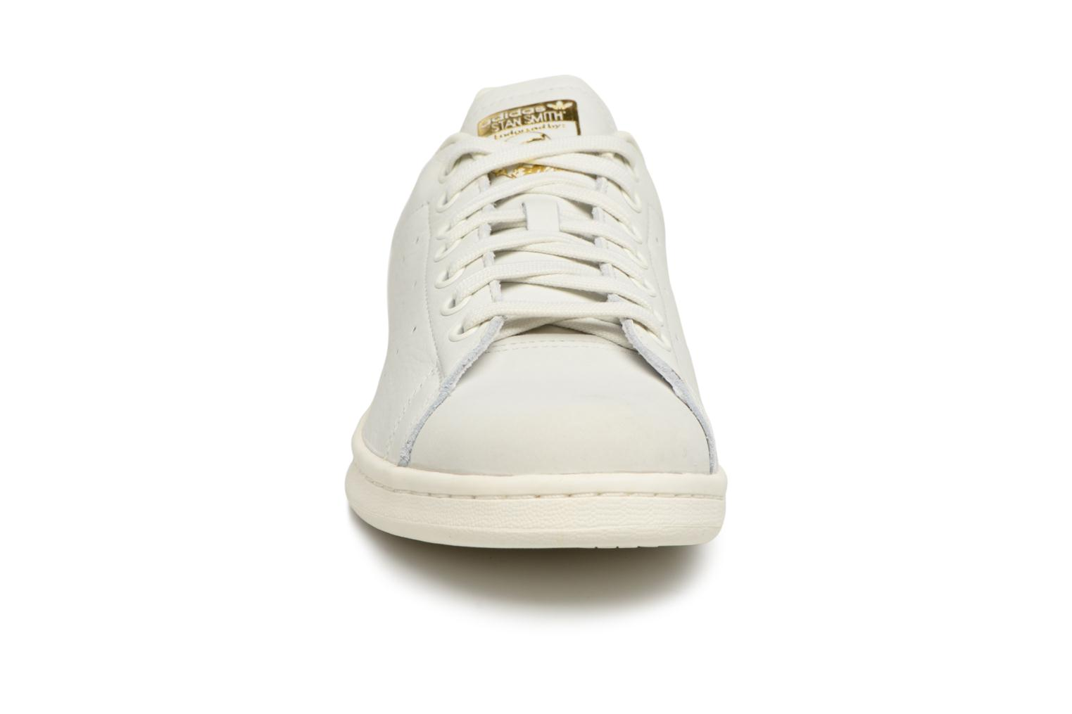 Sneakers Adidas Originals Stan Smith Premium Bianco modello indossato