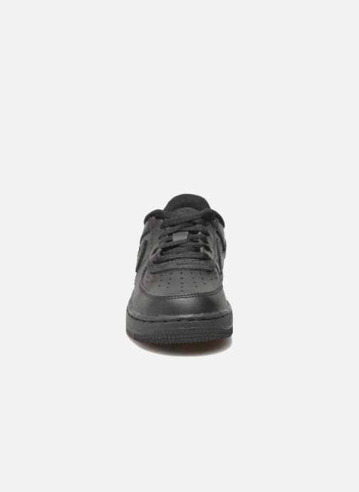 Sneakers Nike Air Force 1 (Ps) Nero modello indossato