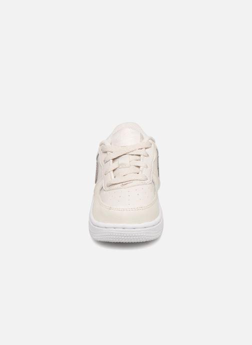 Baskets Nike Air Force 1 (Td) Blanc vue portées chaussures