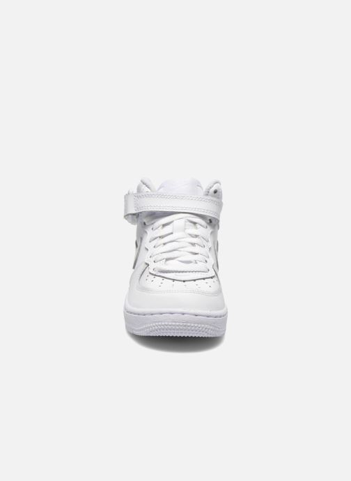 Sneakers Nike Air Force 1 Mid (PS) Bianco modello indossato