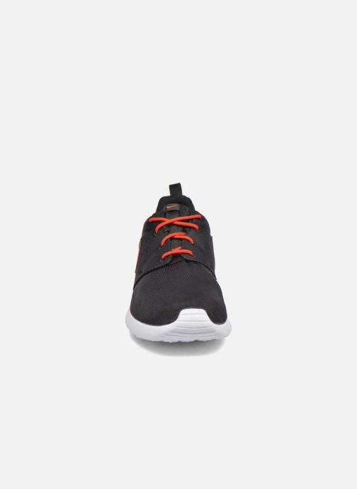 Nike NIKE ROSHE ONE (GS) (Noir) Baskets chez Sarenza (282680)