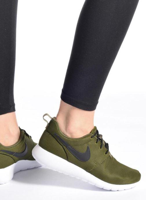 Sneaker Nike NIKE ROSHE ONE (GS) weiß ansicht von unten / tasche getragen