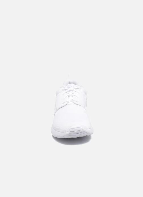 Sneaker Nike NIKE ROSHE ONE (GS) weiß schuhe getragen