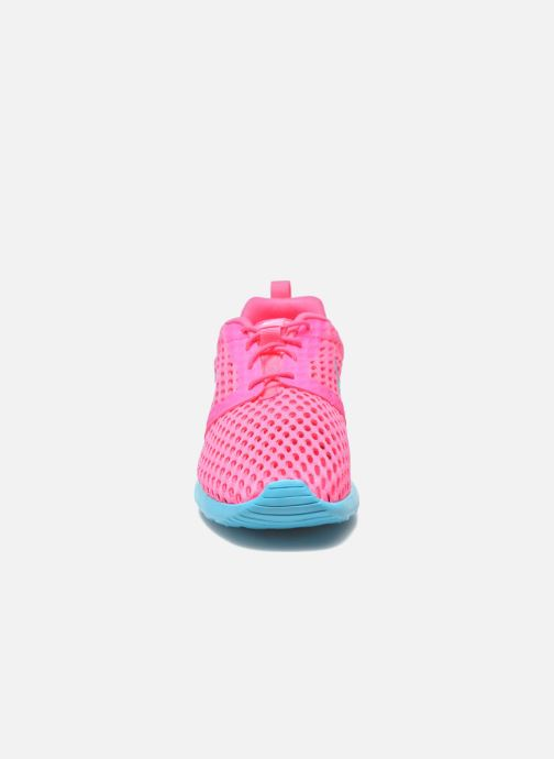 Deportivas Nike ROSHE ONE FLIGHT WEIGHT (GS) Rosa vista del modelo