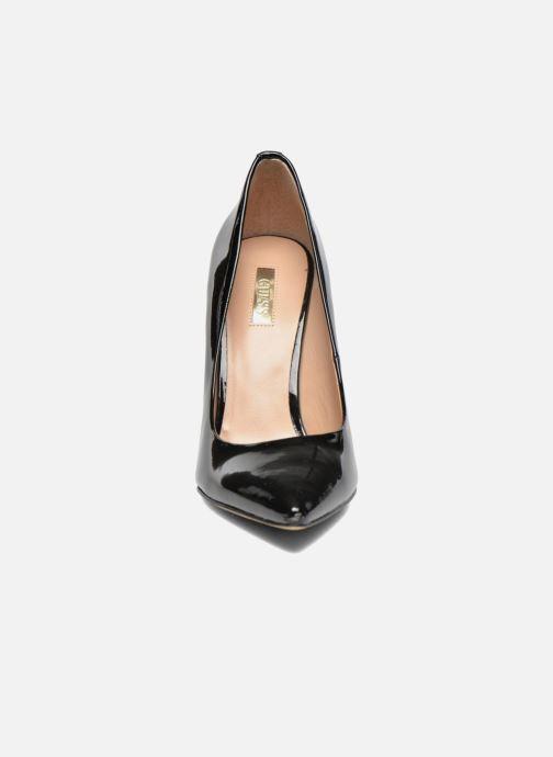 Zapatos de tacón Guess Plasmia 5 Negro vista del modelo