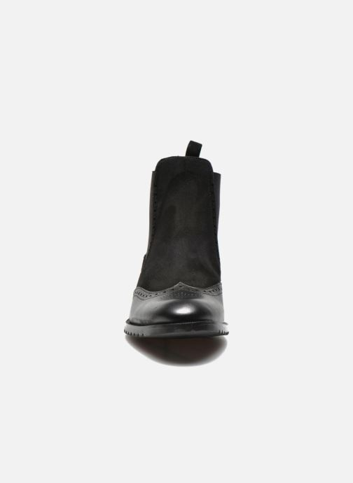 Ankle boots Anaki Tierra Black model view